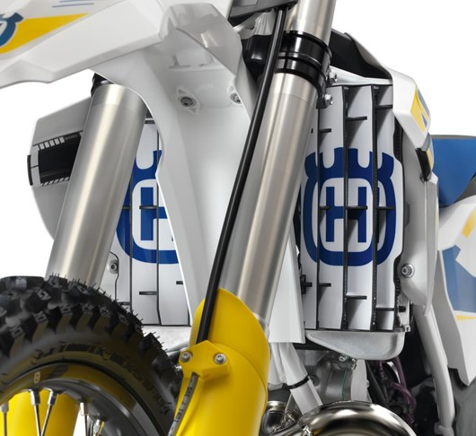 PHO_HP_NMON_81308999000-bike-STICKER-RADIATOR-PROTECTION_#SALL_#AWSG_#V1.jpg